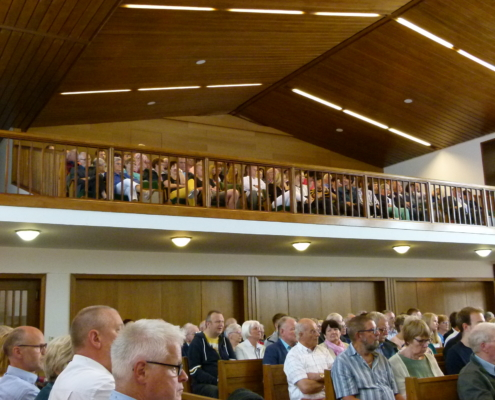 Kirche bei der Konfirmation